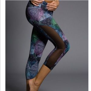 Onzie S/M yoga capris leggings